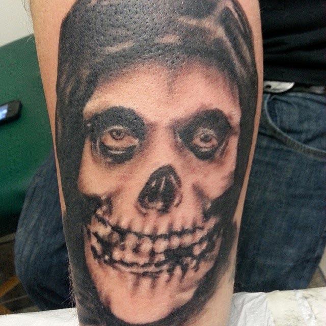 tattoo designing,skull with eyes